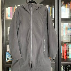 XL Lululemon Rain coat